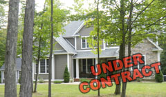 Like-New-Woodridge-Lake-Home-$550,000-153-Sherbrook-Dr-goshen-CT