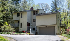 The-Great-Woodridge-Lake-Escape-359-E.-Hyerdale-Dr-Goshen-CT-$359,000