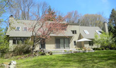 Upscale-Woodridge-Lake-Country-Home-12-Ashley-Dr,-Goshen-CT-$459,000