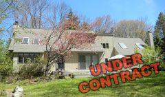 Upscale-Woodridge-Lake-Country-Home-12-Ashley-Dr,-Goshen-CT-$390,000